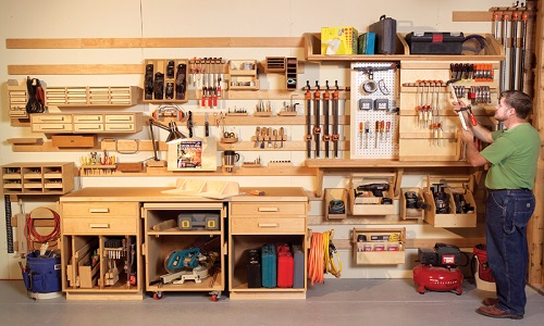 Расположение инструментов в мастерской