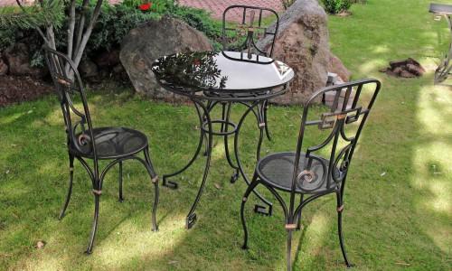 Кованая садовая мебель