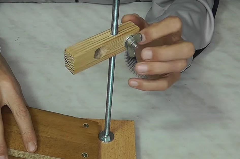 Приспособления для сборки мебели своими руками 4